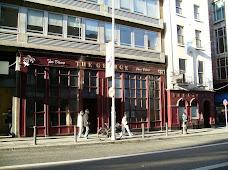 The George (nightclub left, bar right)
