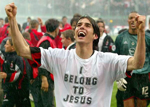 Kaká distribuiu DVD cristão para um milhão de pessoas na África do Sul 9b4bc22d40ec1