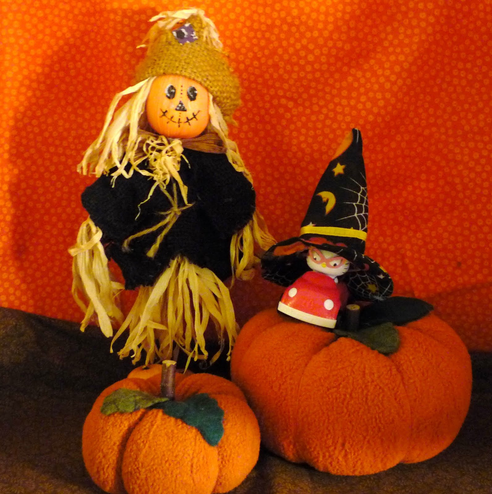 Kitty And Her Scarecrow Friend Want To Remind You To Leave A  Halloween Wall Hanging Quilt Kits