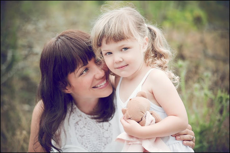 ideas for family photos with baby - Rebecca Westby ♥ Mummy and Daughter