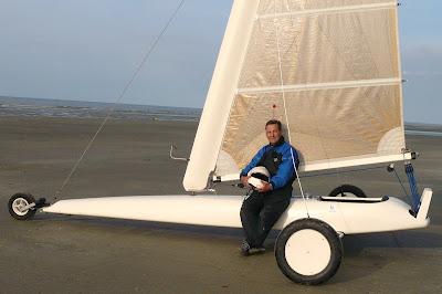 Pierre-Yves Gires pilote de char à voile Champ. d'Europe 2003