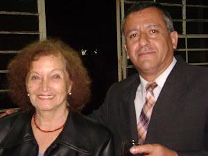 La señora Hoyle acompañada de Jaime Guadalupe