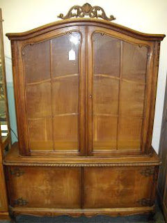 Quality Resale Home Furnishings 1930 S Belgium 2 Pc China Cabinet
