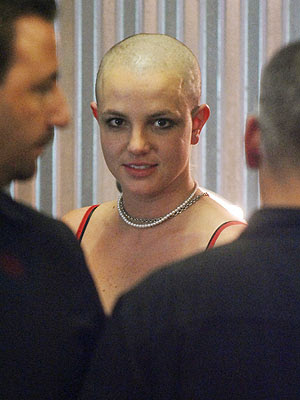 britney-spears-shaved-her-head