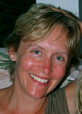 Behind the Desk: Launa Schweizer on Connection & Community