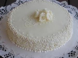 Torta pina i dolci di pinella for Decorazione torte per 50 anni di matrimonio