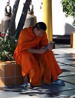 Cagin hastaligina yakalanmis genc bir budist rahip - Wat Phrathat Doi Suthep - Chiang Mai