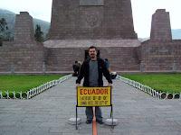 Yalancı ekvator - Anıtın önü