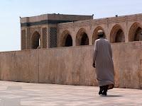 Yerel giysili adam (Casablanca)