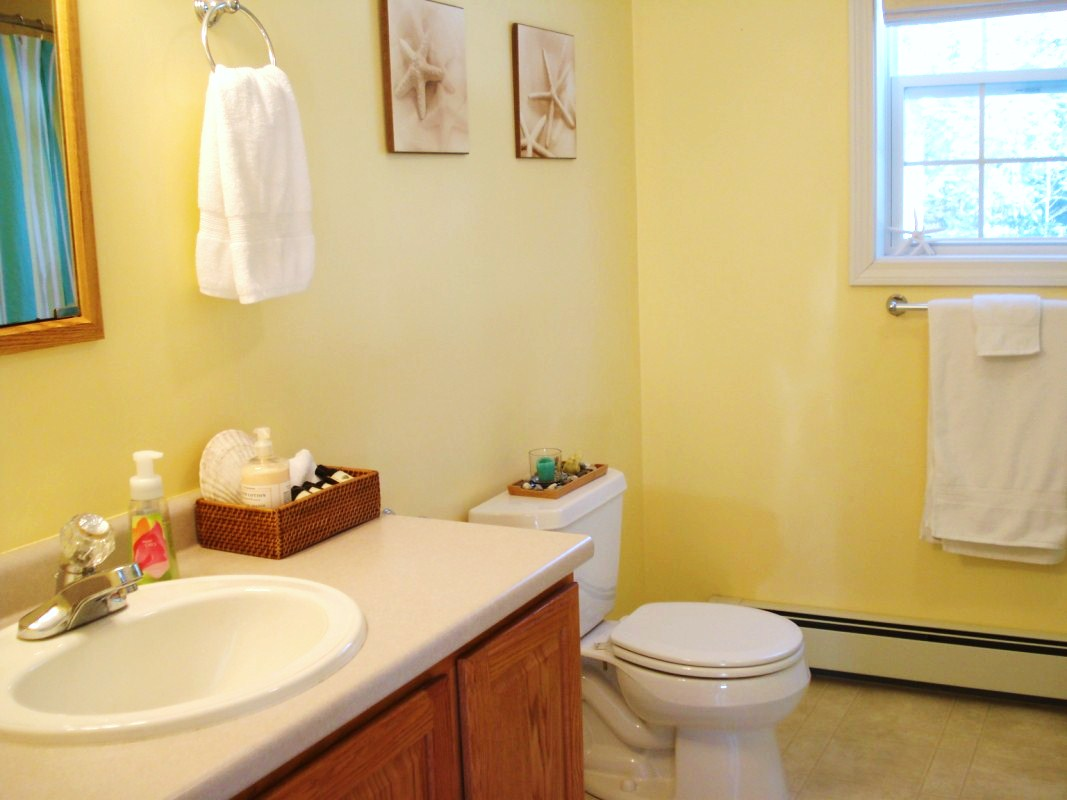 Yellow And Grey Bathroom Decorating Ideas Heart Maine Home Home Goals For 2011