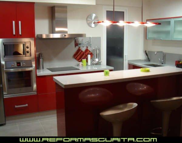 Informe una barra en la cocina reformas guaita - Barras de cocinas modernas ...
