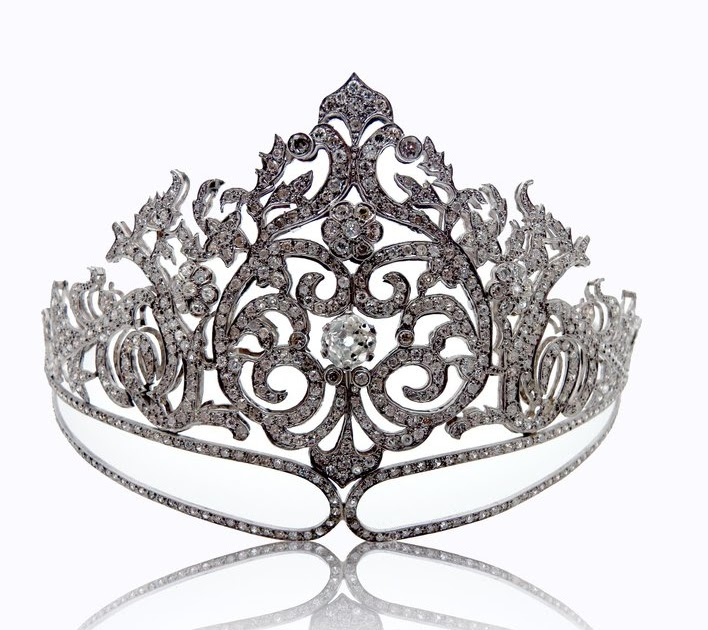 So Sue Me!: Ireland to win the MISS UNIVERSE CROWN 2010...