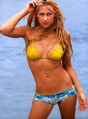 Sexy-Bikini-Female-Tennis_Player_Anna_Kournikova