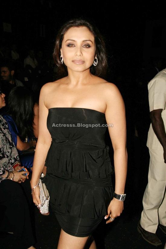 Rani mukherjee sexy boobs