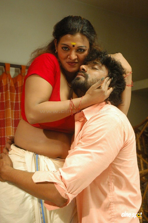 Telugu Actress Hot Photos: Tamil Masala Movie Thiruttu