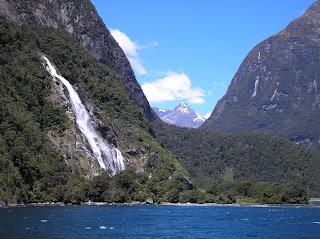 ニュージーランド クライストチャーチ ミルフォードサウンド写真 画像 ホテル 名物観光 自然遺産