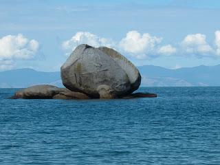 ニュージーランド ネルソン 巨大リンゴ 観光 海外旅行 写真 画像