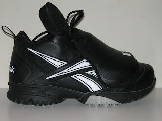 Today I have the opportunity to review the Reebok Field Magistrate plate  shoes. The Field Magistrate is brand new for the 2009 season 505a3c507