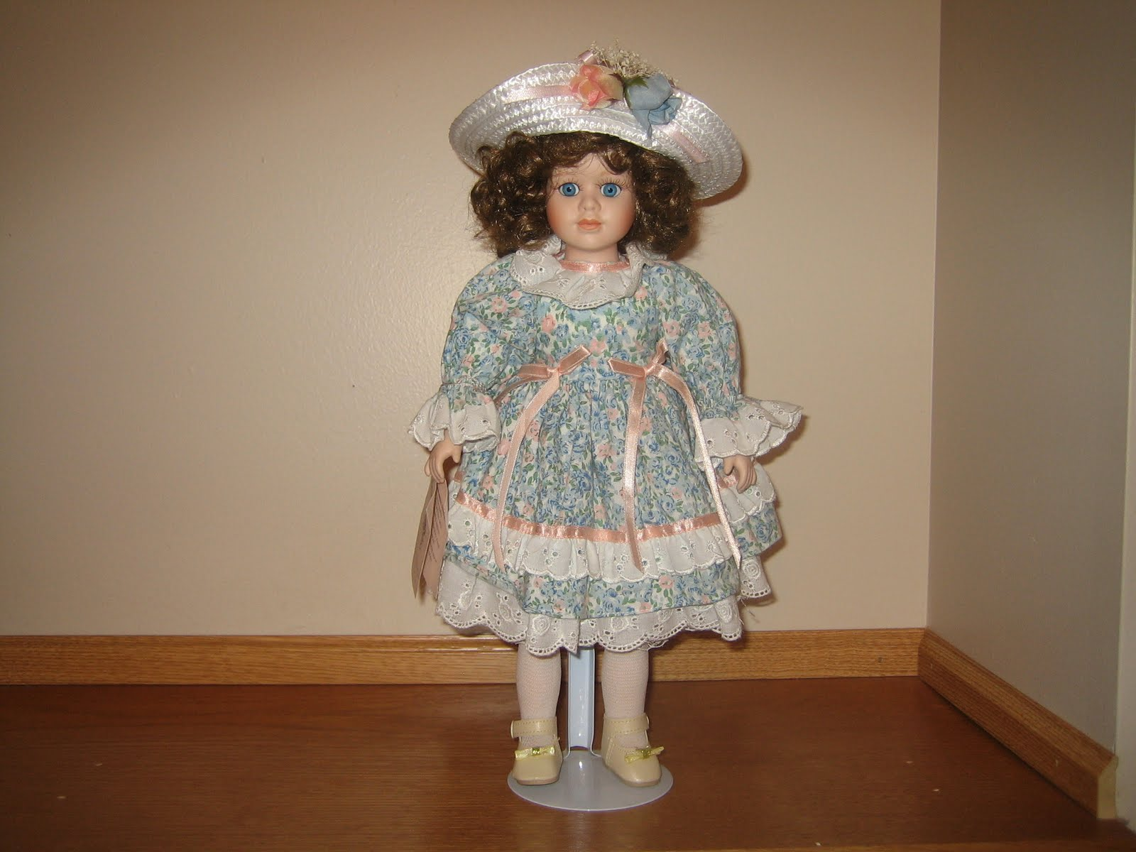 Virtual Garage Sale: Bradley's Collectible Porcelain Doll ...