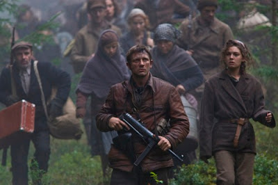 Daniel Craig in Defiance Movie