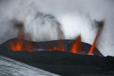 Volcan de la nube de Cenizas