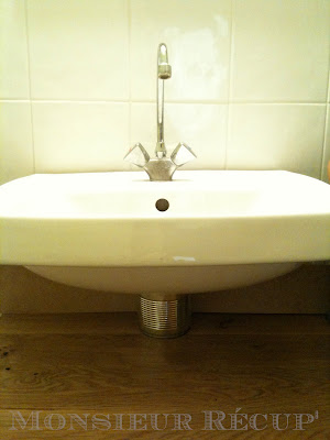 monsieur r cup 39 cache tuyau simple design. Black Bedroom Furniture Sets. Home Design Ideas