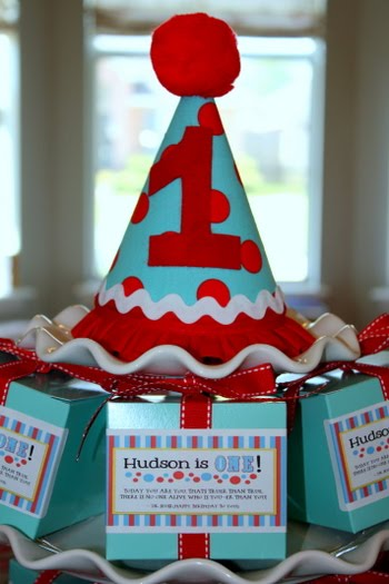 de5d2c021 I still can't believe my baby boy is ONE! We celebrated with a Dr. Seuss  inspired birthday party this past Saturday. Rather than go all out with Dr.  Seuss ...
