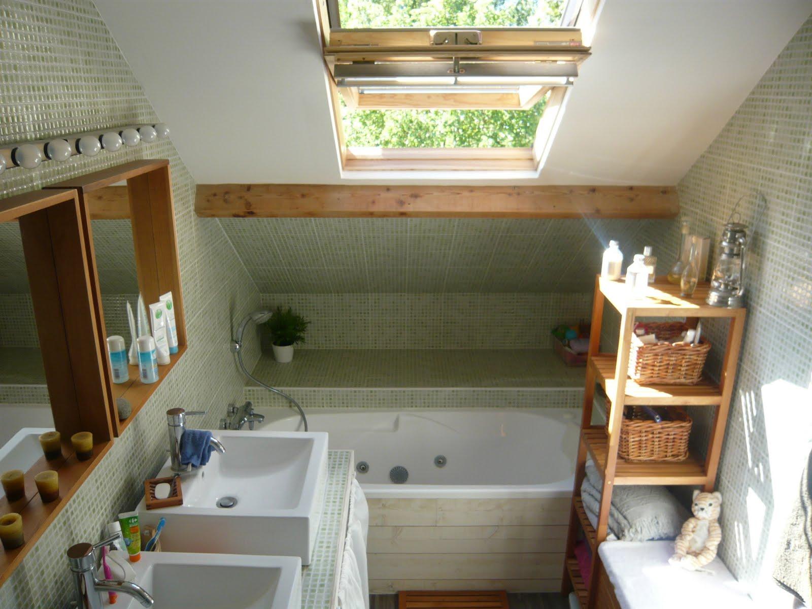 menuiserie fx une salle de bain cr e dans des combles. Black Bedroom Furniture Sets. Home Design Ideas