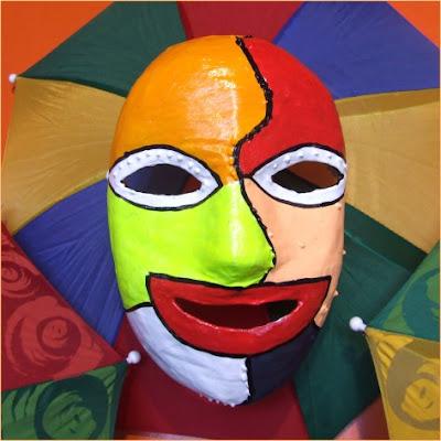 Resultado de imagem para mascara de carnaval de bezerros
