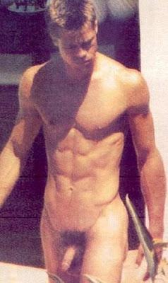 pitt naked sunbathing Brad