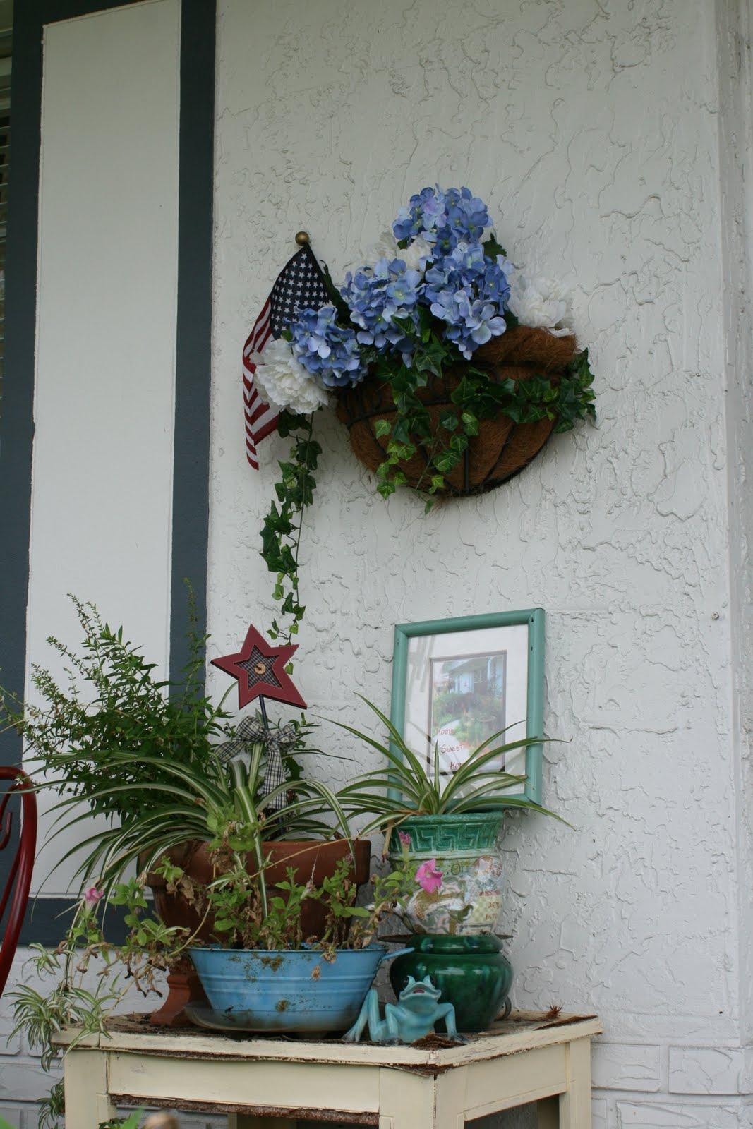 Bluebirds Nest Independence Day Wreath