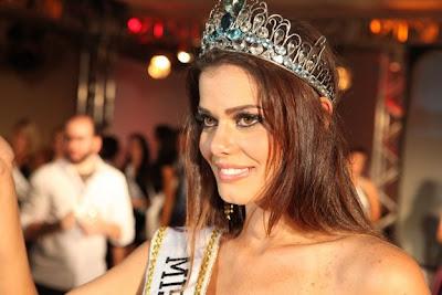 Tiara Girls: Miss Brazil World 2009