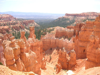 Photo of Bryce Canyon National Park by Roland Lee