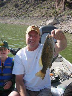 Roland Lee catches a huge smallmouth bass at Newcastle REservoir