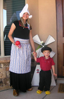 Jodi and Zach Simmons in Dutch Clothing