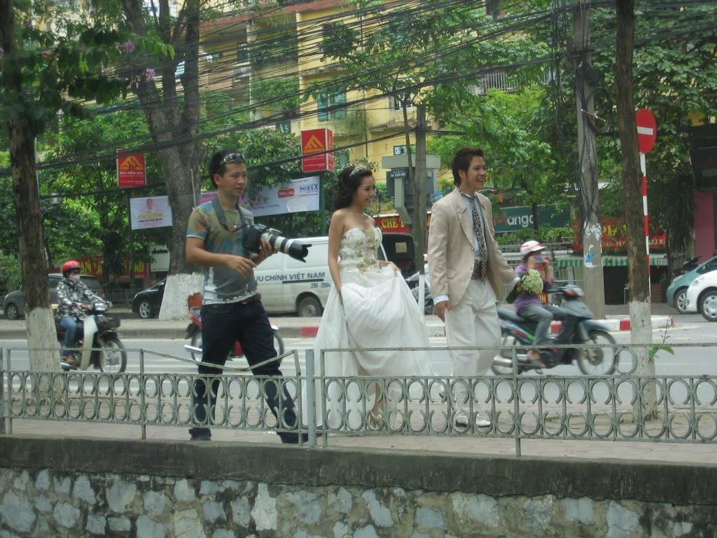 Hot Pink Maken Yes: May 18: Second day of site visits in Hanoi