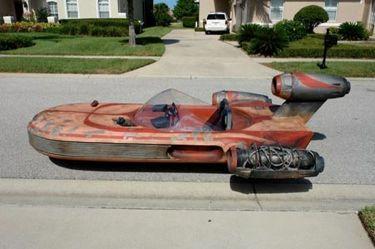 3583d9a1df48e7 10 Best Life-Size Star Wars Replicas - The Geek Twins