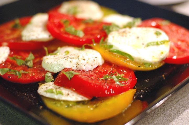 [tomatoes.jpg]