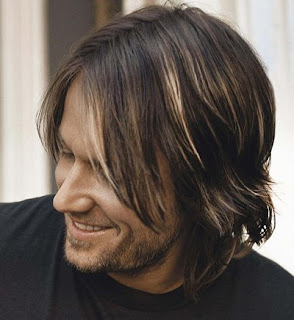 best male haircut: Keith Urban Hairstyle
