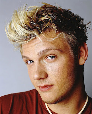 Nick Carter textured hairstyle. Texturing is the layering of hair to provide