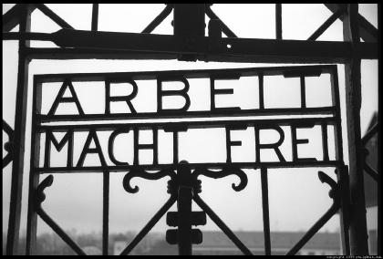Arbeit Macht Frei - Bekerja menghasilkan kebebasan