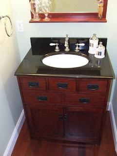 picture of bathroom vanity