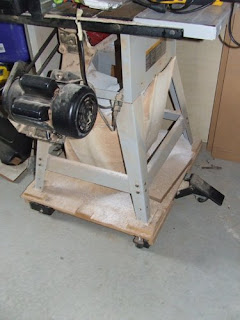 picture of Delta table saw and mobile base