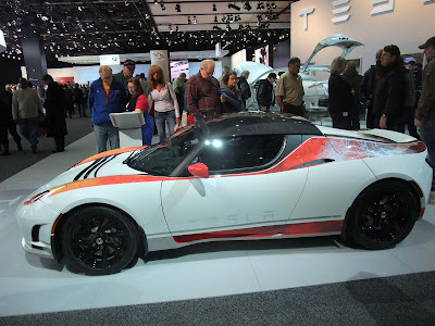 Tesla Roadster, lithium ion battery, 4,000 batteries, consumer