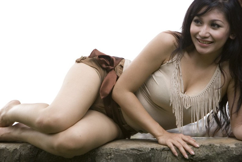 Dwi Putrantiwi Sexy Photo Gallery - Free Sexs 21 Pictures