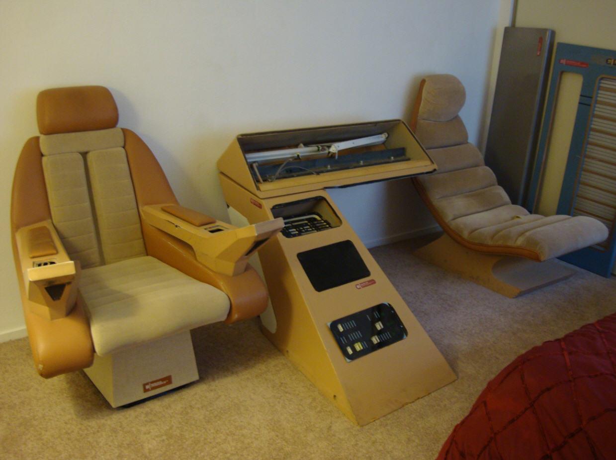 star trek captains chair plush leather desk prop costume and auction authority