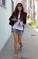 miley con mini falda corta Minifalda-sexy-bg-sMiley-5