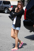 miley con mini falda corta Minifalda-sexy-bg-sMiley-1