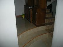 tangga dri garasi ke r.tamu