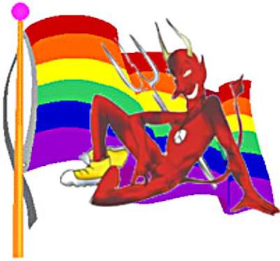 Deus fez a mulher... o diabo é gay
